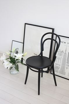 TON Chair 14 in black