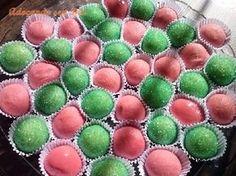 OsDocinhos de Morango e Limãosão fáceis de fazer e fica uma delícia. Faça para as festinhas e receba muitos elogios! Veja Também:Docinho de Leite Ninho