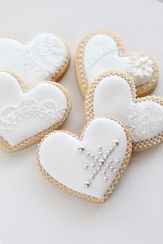 Fancy Cookies, Cupcake Cookies, Christmas Cookies, Flower Cookies, Heart Cookies, Cookie Icing, Royal Icing Cookies, Petit Cake, Valentines Day Cookies