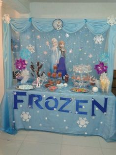 birthday party decorations 591801207269492584 - 26 Ideas Cake Decorating Ideas Disney Frozen Birthday For 2019 Source by lucialovecats Frozen Birthday Decorations, Elsa Birthday Party, Winter Birthday Parties, Frozen Themed Birthday Party, Disney Frozen Birthday, Carnival Birthday Parties, Birthday Party Themes, 5th Birthday, Frozen Table Decorations