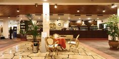 Hotel-Moselpark-Lobby-Weinkultur-Mosel-Weinreben-Bernkastel-Kues_152x69.jpg