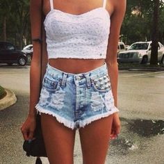 Love this oufit. Perf for spring break
