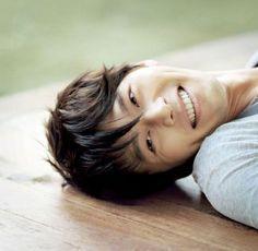 hyun bin is on the popular page?! Aaaahhh!