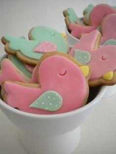 Galletitas Pajaritos | Flickr: Intercambio de fotos Baby Birthday Cakes, 3rd Birthday Parties, Bird Cakes, Cupcake Cakes, Cupcakes, Celebration Day, Bird Party, Baby Shower, Easter Cookies