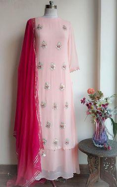 Indian Gowns Dresses, Indian Fashion Dresses, Dress Indian Style, Pakistani Dresses, Indian Outfits, Stylish Dress Designs, Designs For Dresses, Stylish Dresses, Simple Dresses