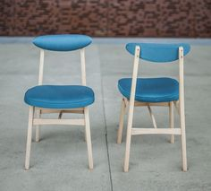 Krzesła proj. R.Hałasa