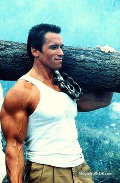 Commando publicity still of Arnold Schwarzenegger