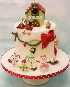 I entered cake international for the time this year and I was delighted to enter 3 categories and win Gold for each of my cakes. This is a dessert cake I made for christmas category Not the best photos, I have planned to take photos on my. Christmas Cake Designs, Christmas Cake Decorations, Christmas Cupcakes, Christmas Sweets, Holiday Cakes, Christmas Cooking, Noel Christmas, Christmas Goodies, Winter Torte