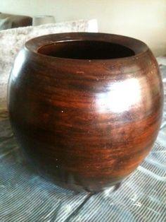 WONEN a la Mar: ♥ Mijn eerste pot in opdracht Home Crafts, Diy Crafts, Feather Crafts, Diy Painting, Sober, Vase, Ceramics, Cement, Craft Ideas