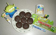 Step by step guide to creating Toy Story alien cupcakes