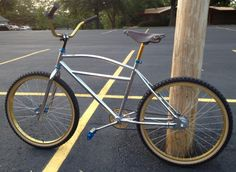 lets see your best vintage bmx/klunkers Bmx Handlebars, Bmx 20, Beach Cruisers, Cruiser Bicycle, Dirt Biking, Mode Of Transport, Quiver, Bike Stuff, Vintage Bicycles