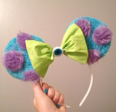 Monsters inc inspired Mickey Mouse ears from Mousehouseboutique on Etsy. Saved to Ready For Disney World. Disney Diy, Diy Disney Ears, Disney Mickey Ears, Disney Bows, Disney Crafts, Cute Disney, Disney Outfits, Disney Style, Anna Disney