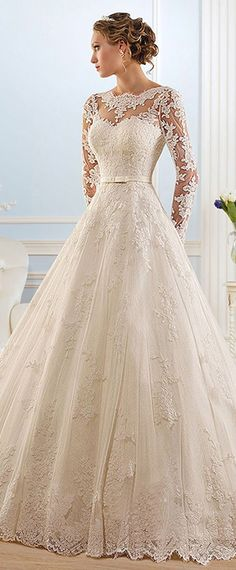 Glamorous Tulle Bateau Neckline Ball Gown Wedding Dress With Lace Appliques