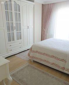 Yaprak hanımın dingin renkler ve konforlu bir stille, sıcacık dekoru. Home Design Magazines, Room Decor, Decor, Bedroom Decor, Girl Bedroom Designs, Home, Bedroom, Contemporary Decor, Home Decor