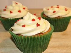 Belle cupcakes: CUPCAKES DE MANGO CON CORAZÓN DE PIÑA CON CHEESE CREAM FROSTING DE MANGO