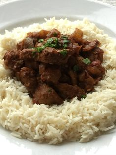 It's been a while but today we revisited the very popular Skint Dad Fakeaway with a budget lamb bhuna. For long-time readers you will know in the early days (around 16 months ago) I would attempt to recreate a favourite dish or dishes from one of our local takeaways at a fraction of the cost.