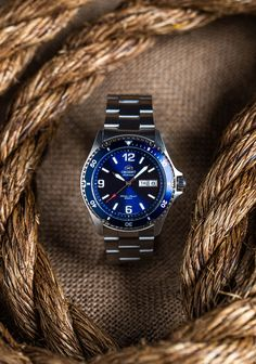 With so many diver watches available today, we can say with confidence that the Mako is one of the top affordable mechanical diver watches on the market today. Fine Watches, Cool Watches, Men's Watches, Orient Watch, Best Watch Brands, Watch Companies, Luxury Watches For Men, Beautiful Watches, Casio Watch