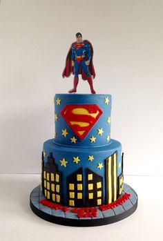 Superman cake                                                                                                                                                                                 Mais