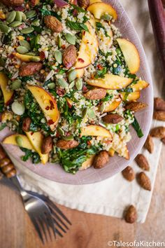 Tales of a Kitchen / Peach and almond quinoa salad - Savory recipes - Gourmet Recipes, Mexican Food Recipes, Beef Recipes, Appetizer Recipes, Vegetarian Recipes, Dinner Recipes, Cooking Recipes, Healthy Recipes, Vegemite Recipes