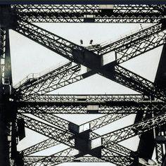 SYDNEY HARBOUR BRIDGE - Always inspirational forever iconic. Enjoying the patterns around me #linework #infrastructure #design #sydneyharbourbridge #sydney #bridge #archilover #photograph #blackandwhite #awesomebnw #patternobserver #geometric #triangle #contrast #photographer #iconic #inspiration #inspo #patterns #city #patternseverywhere #surfacedesign #surfacepattern #cityscape #skyline by emiliofrankdesign http://ift.tt/1NRMbNv
