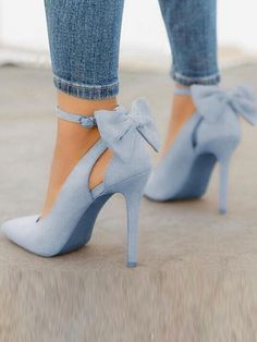 Blue Point Toe Stiletto Bow Fashion High-Heeled Shoes Blue Point Toe Stiletto Bow Fashion Schuhe mit hohen Absätzen The post Blue Point Toe Stiletto Bow Fashion Schuhe mit hohen Absätzen & Heels appeared first on Shoes . Women's Shoes, Me Too Shoes, Shoe Boots, Cute Shoes Heels, Blue Shoes Outfit, Heels Outfits, Shoes Style, Shoes Sneakers, Blue Heel Shoes