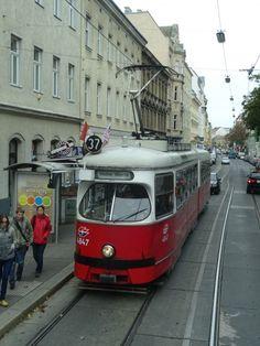 The retro-tram model London Transport, Public Transport, Subway Map, Bonde, Light Rail, Vienna Austria, Adventure Travel, Transportation, Museum