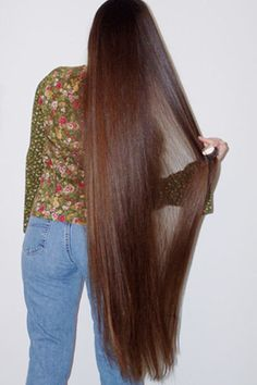 Wow, such shiny, healthy knee length hair.