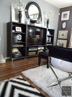 THRIFTED CHIC: BLACK & WHITE LIVING ROOM - Lynda Quintero-Davids - FOCAL POINT STYLING