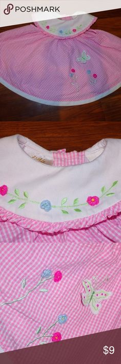Little Bitty Pink Seersucker Butterfly Dress Size 6-9 Months by Little Bitty. Pink Seersucker Dress with White Collar. Embroidered with Flowers and a Butterfly applique. True to size. Great condition-no rips, stains or tears Smoke Free Home Please feel free to ask any questions. Little Bitty Dresses