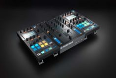 Thursday — live Kontrol D2 and Stems events in the UK - http://djworx.com/thursday-live-kontrol-d2-and-stems-events-in-the-uk/
