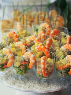 12 make ahead canapés for a crowd - Domesblissity Appetizers For A Crowd, Food For A Crowd, Appetizer Recipes, Christmas Canapes, Christmas Lunch, Traditional Australian Food, Tapas, Cooked Pineapple, Aussie Christmas