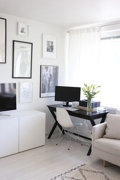 Homevialaura | Living room | home office | work space | gallery wall