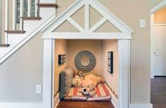 Under Stairs Dog House, Room Under Stairs, Dog Stairs, Dog Room Design, Dog Bedroom, Puppy Room, Cool Dog Houses, Niches, Animal Room