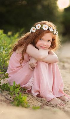 Sweet little redhead girl sitting on the beach wearing a flower crown. Little Girl Poses, Cute Little Girls, Cute Kids, Little Girl Pictures, Family Pictures, Little Girl Photography, Children Photography Poses, Toddler Photography, Girl Photo Shoots