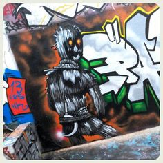 #streearteverywhere#streetart#graffiti#urbanwalls#urbanart#instagraffiti#instagraff#wallart#graffitiart#graffitiporn#thisisstreetart#streetartphoto#streetartistry#streetartist#streetartphotography #parisgrafitti #wallpornparis #wallartparis #streetartparis19 #streetartparis #ig_paris #igparis #parismonamour #picoftheday #photodujour #instagood
