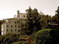 Une institution : Le Chateau Marmont Los Angeles restaurant hôtel bar http://www.vogue.fr/voyages/adresses/diaporama/guide-des-meilleures-adresses-los-angeles-restaurant-htel-bar/25318#une-institution-le-chateau-marmont-los-angeles-restaurant-htel-bar-4