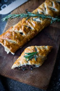 Mushroom Wellington with Rosemary and Pecans - a simple, tasty vegan main dish, that can be made ahead, perfect for holiday gatherings! Vegetarian Christmas Dinner, Vegetarian Thanksgiving, Thanksgiving Recipes, Thanksgiving 2020, Veggie Recipes, Whole Food Recipes, Vegetarian Recipes, Cooking Recipes, Dinner Recipes