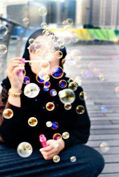 bubbling with joy! Ootd Hijab, Hijab Chic, Hijab Outfit, Hijab Jeans, Hijab Look, Hijab Style, Beautiful Muslim Women, Beautiful Hijab, Beautiful Hands