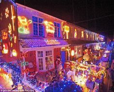 Thousands of people crammed into a small residential close to witness a spectacular Christmas lights switch-on. Description from pinterest.com. I searched for this on bing.com/images
