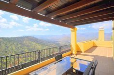A lovely home with breathtaking views in #Marbella