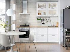 New kitchen ikea savedal Ideas Glass Backsplash Kitchen, Kitchen Wall Tiles, Kitchen Doors, Kitchen Appliances, White Appliances, Kitchen Cabinets, Ikea Small Kitchen, New Kitchen, Kitchen White
