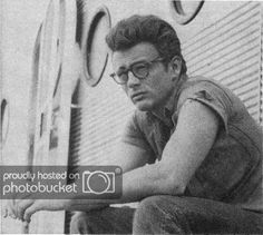 Photo by Carla Papi American Idol, American Actors, James Dean Photos, Jimmy Dean, Screenwriting, Vintage Stuff, Daddy, Teaching, Rock