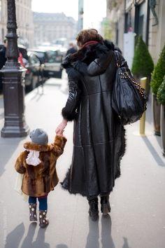 paris street style - I so want the lady's coat & bag.