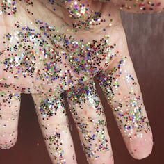 Classroom Cleaning Hacks (filing this away because there's a certain librarian who loves glitter at craft time!) (it's me.)