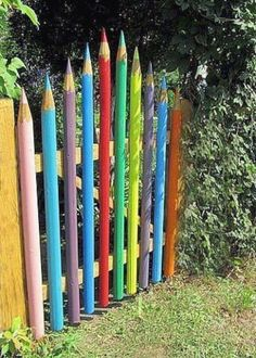 Are you need of a garden fence ideas that doesn't set you back high? Perhaps for your backyard or perhaps it is a whole boundary fence? #GardeningDecoration