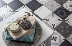 De zuidelijke invloeden in hammam stijl geven deze badkamer een heerlijke rustgevende uitstraling. De Vintage Line badkamer laat zien wat er allemaal mogelijk is met originele ideeën en een beetje lef.