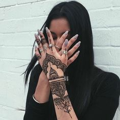 beutifull, girl, grunge, henna, profile picture, tumblr, First Set on Favim.com