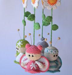 Butterflies mobile - crochet pattern for purchase./ Movil de mariposas al crochet (patron para comprar)