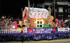 A cuuuute idea for Christmas parade float. Christmas Float Ideas, Christmas Parade Floats, Christmas Candy, Christmas Holidays, Merry Christmas, Christmas Decorations, Xmas, Boat Parade, Christmas Wonderland