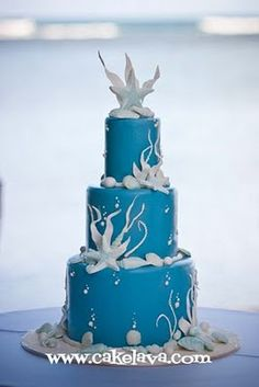 sea stars and shells wedding cake created by cakelava.com - photo courtesy Dave Miyamoto